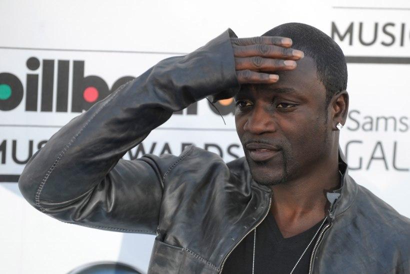 FOTOD: Akon lasi kalli häärberi maha lammutada ja stiilseks peopidamise kohaks muuta