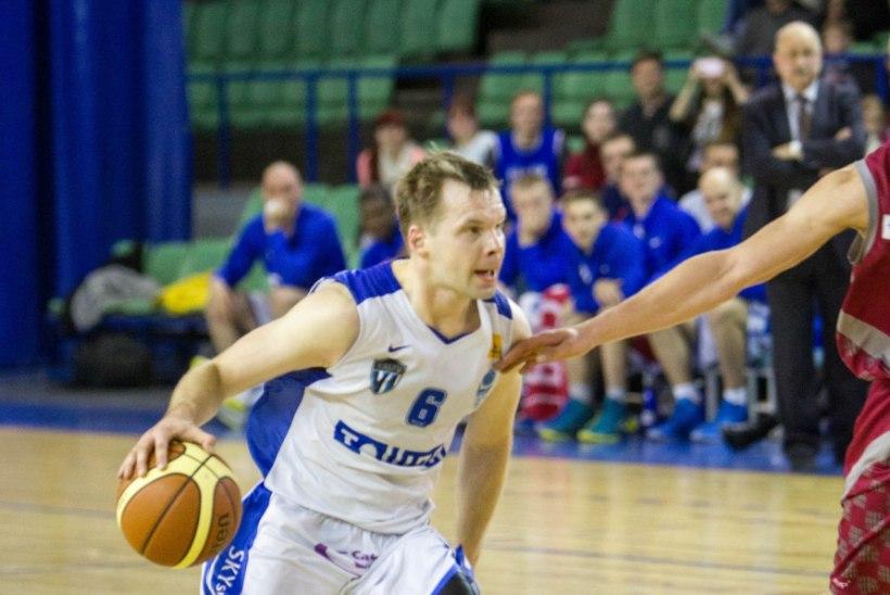 Korvpalliliiga aprilli parimaks mängijaks valiti Raido Roos