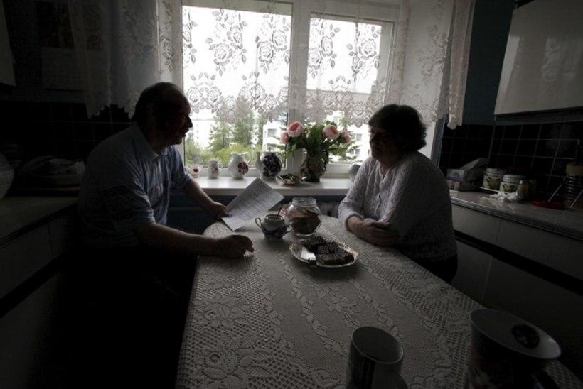Teist korda samas lõksus – puhkuseosakute müüja terroriseerib petetud pensionäripaari