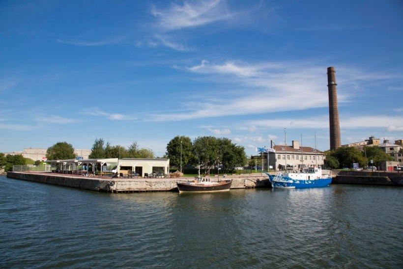 Tallinnas Kalasadama lähistel päästeti veest kaks inimest