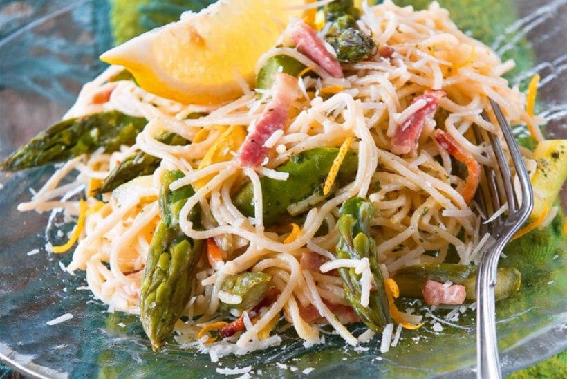 Spargli-peekonispagetid