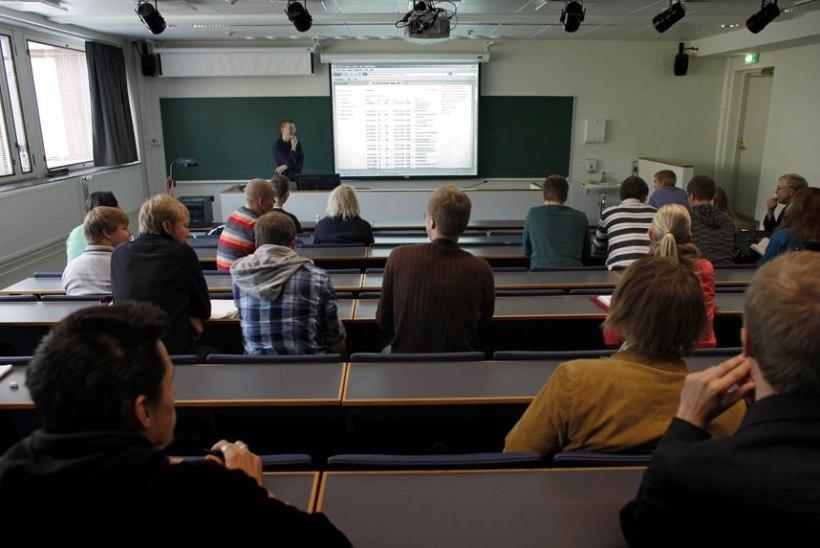 Meest ja naist süüdistatakse Helsingi ülikoolile surmarünnaku kavandamises