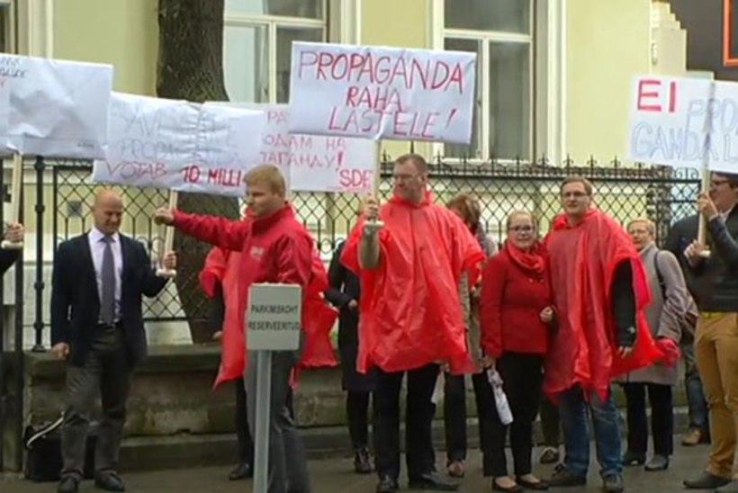 Sotsiaaldemokraadid asusid Tallinna linnavolikogu istungit venitama, minnakse ööistungile