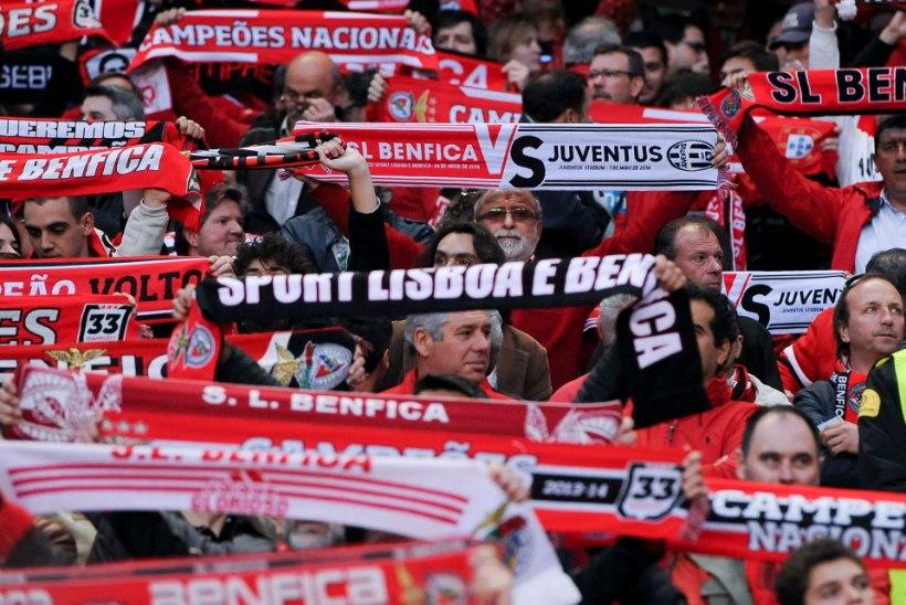 VIDEO: Parimad fännid maailmas? Benfica võeti öösel vastu meeletu lauluga ja tulemölluga!