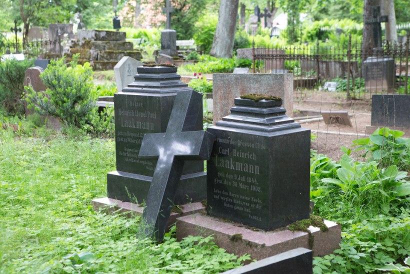 Surnuaiakülastaja: murraksin kuradi hauarüvetajatel käed!