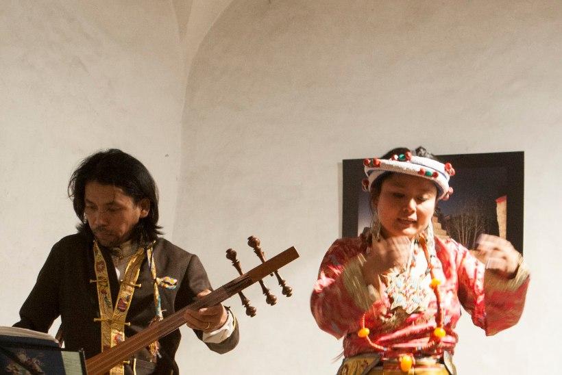 GALERII: Tiibeti artistid tutvustavad eestlastele oma laule ja tantse