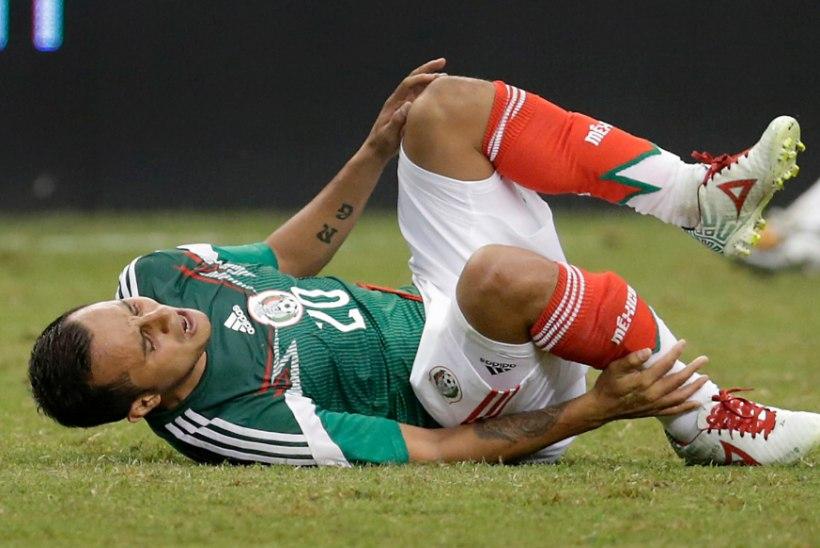 ÕÕVASTAV VIDEO: Mehhiko koondise kaitsja jalg murdus kahest kohast