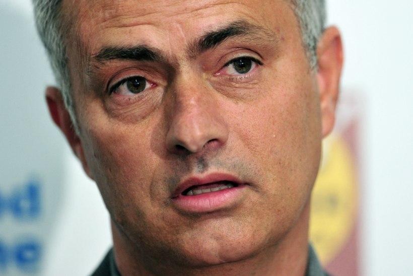 Mourinho loodab Fabregase enne reedet Chelseasse saada