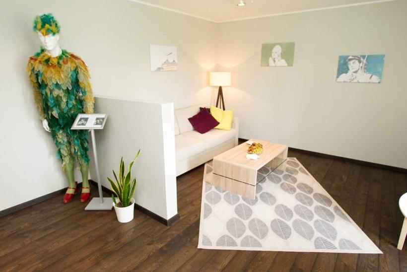 Estonia vastremonditud külaliskorteri voodit proovis esimesena teatrirahvas