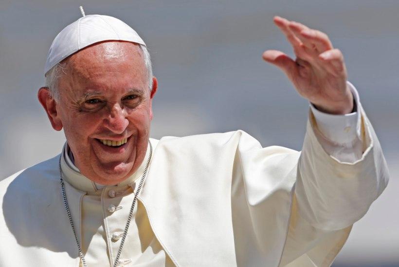Rooma paavst soovis Twitteris kõigile imelist jalgpalli MMi!