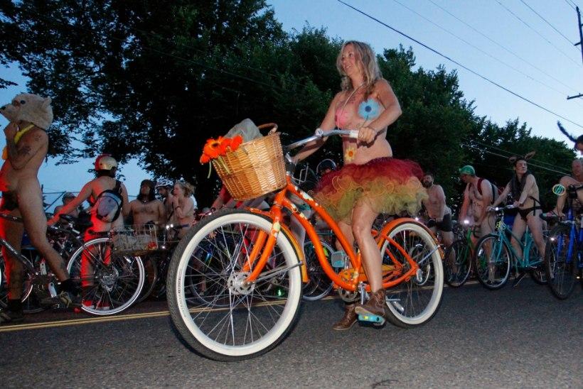 GALERII: Alasti rattasõitjad Portlandis