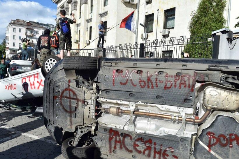 USA mõistis hukka Venemaa saatkonna ründamise Kiievis