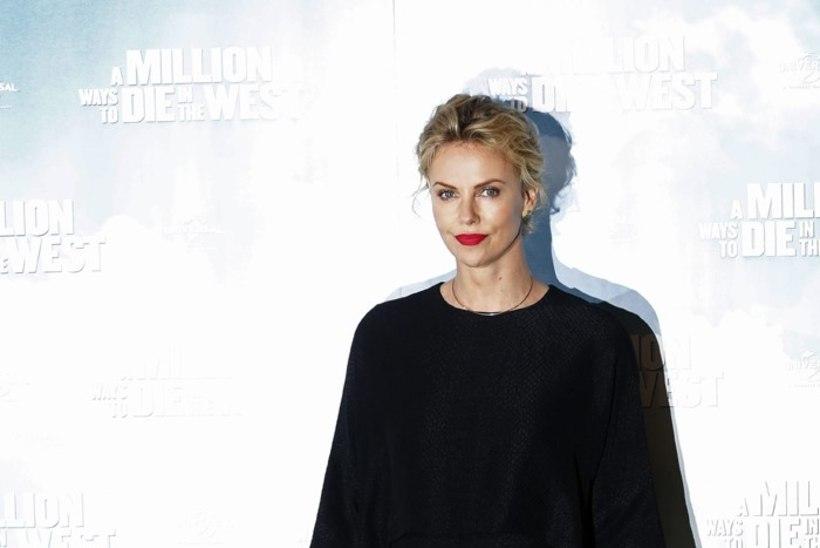 Charlize Theron: guugeldamine on nagu vägistamine