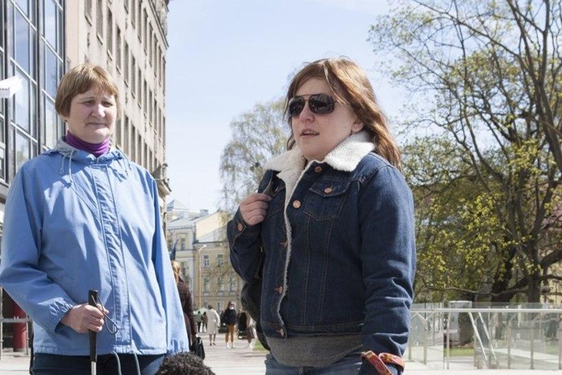 Presidendivastuvõtulgi käinud pime tüdruk töövarjuks ei kõlba?