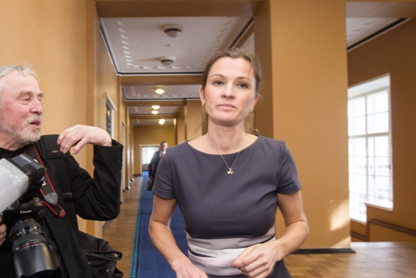 Minister Anne Sullingu jonn jättis ta hoopis autota