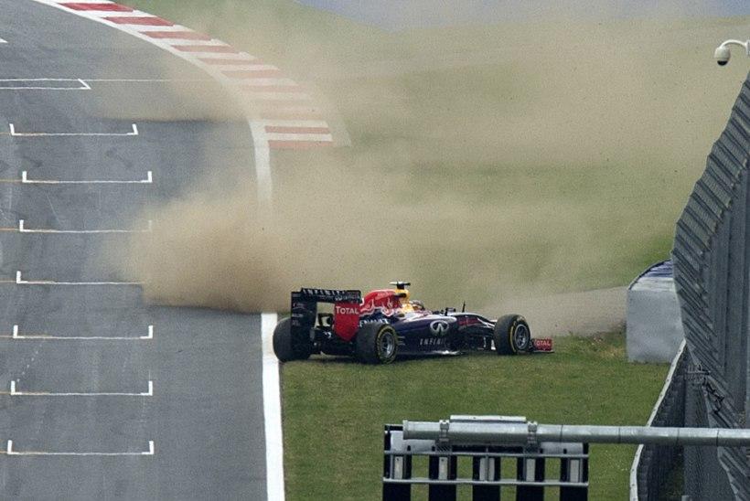 Reedese vabatreeningu võitis Rosberg, Vettel tegi pirueti
