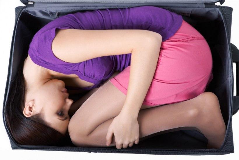 Mees otsustas oma tüdruksõbra kohvrisse pakkida