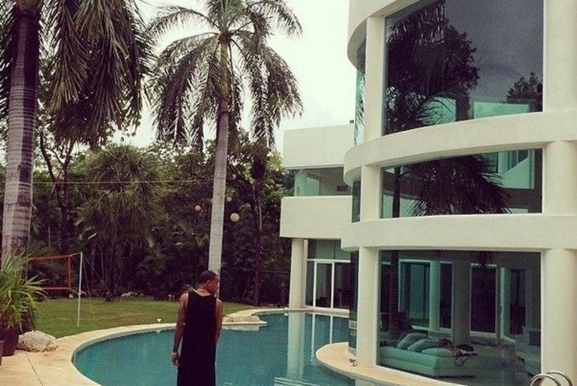 FOTOD: Bieber rendib koos semudega Mehhikos luksuslikku villat