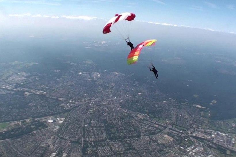FOTOD JA VIDEO: Eesti langevarjurid pälvisid Hollandis hõbemedali
