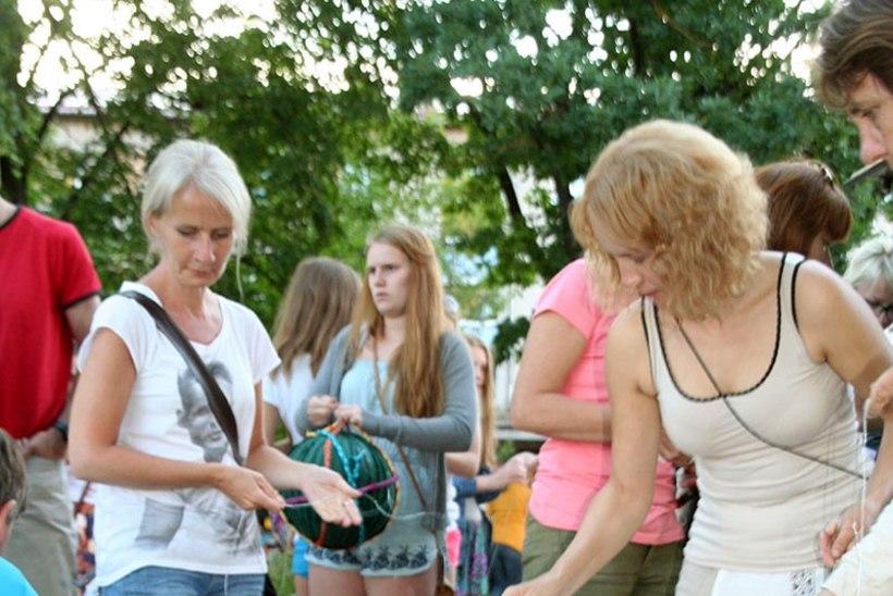 FOTOUUDIS: Festival tuli Võrru jutulõnga kerides