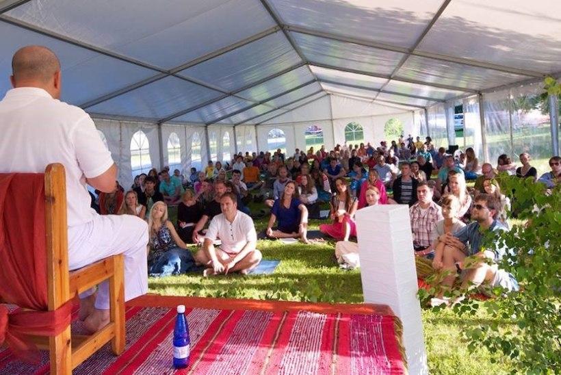 GALERII: Viljandimaal kogunesid sajad tantrahuvilised
