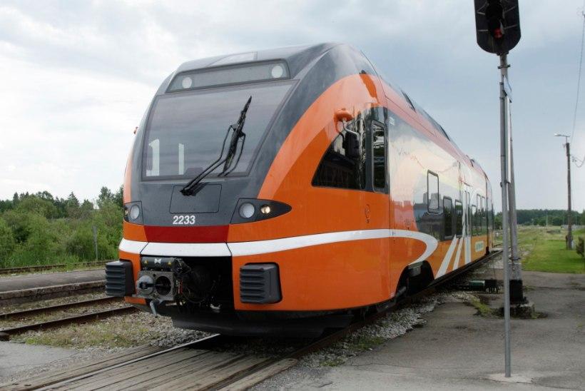 Elron toob suve jooksul rongis pakutavad mugavused reisijaile lähemale