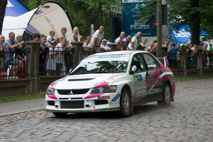 GALERII: Rally Estonia jõudis Tartu südalinna