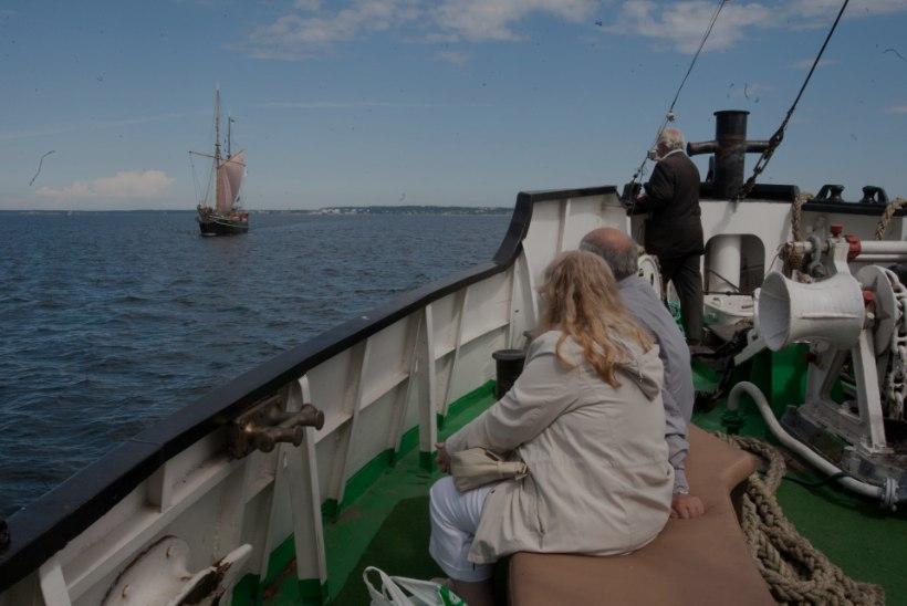 """GALERII: aurulaev """"Admiral"""" läks merele"""