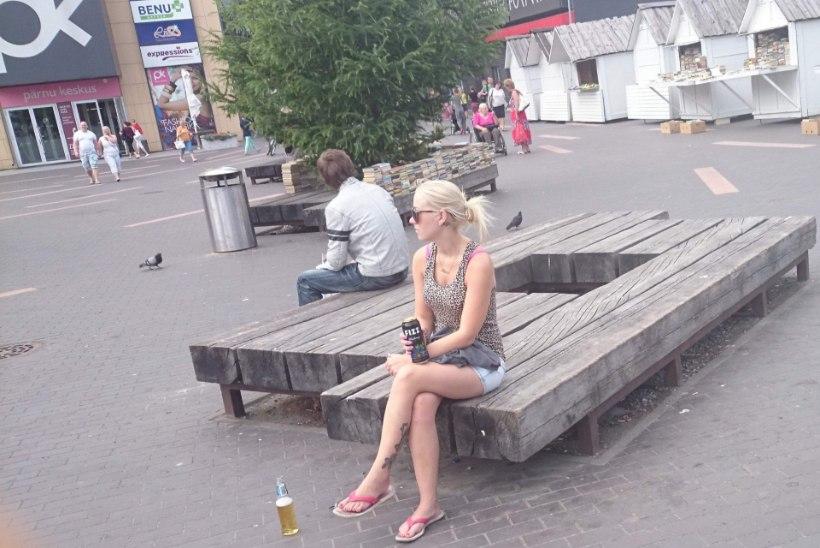 """""""SUVEREPORTERI"""" VIDEO: inimesed ei lepi avalikus kohas joojatega"""