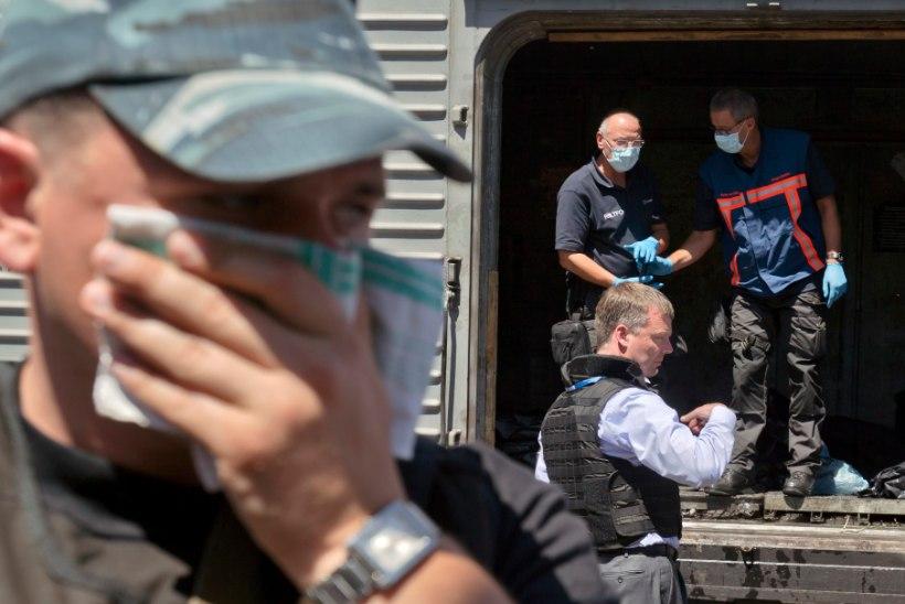 GALERII: Hollandi eksperdid uurivad Torezis hukkunute säilmeid