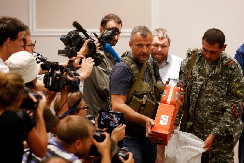 PILTUUDIS: Ukraina mässulised andsid mustad kastid üle Malaisia esindajatele