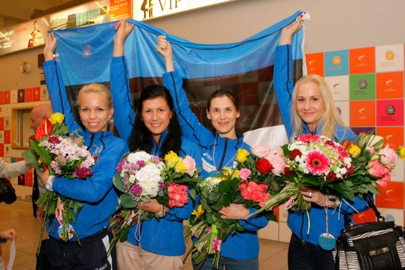 HÕBE! Eesti vehklemisnaiskond kaotas MMi finaalis Venemaale