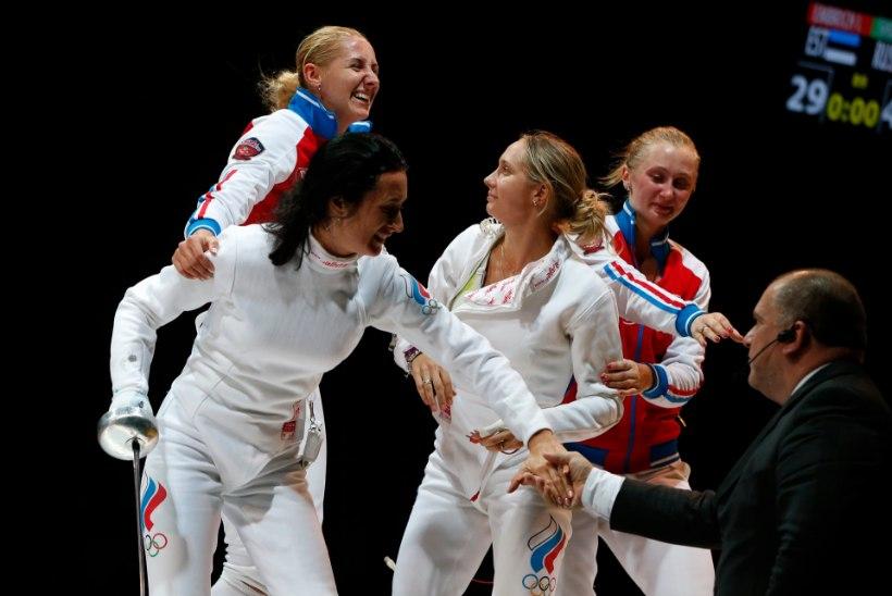 GALERII: Eesti vehklemisnaiskond võitis MMil hõbeda