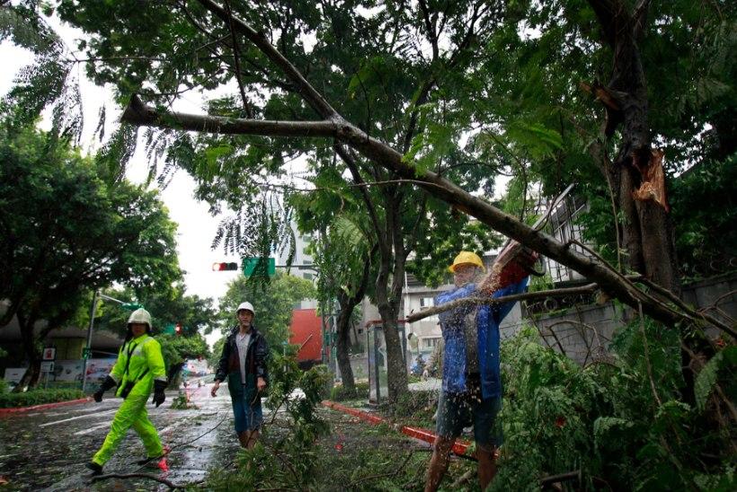 GALERII: Taifuun Matmo räsis Taiwani