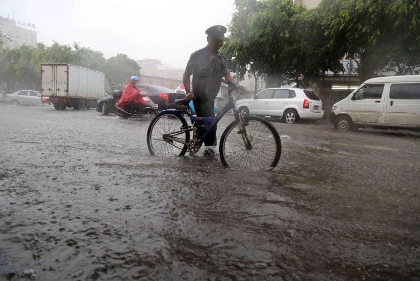 Taifuun Matmo räsib Hiinat, hukkunud on juba 13 inimest