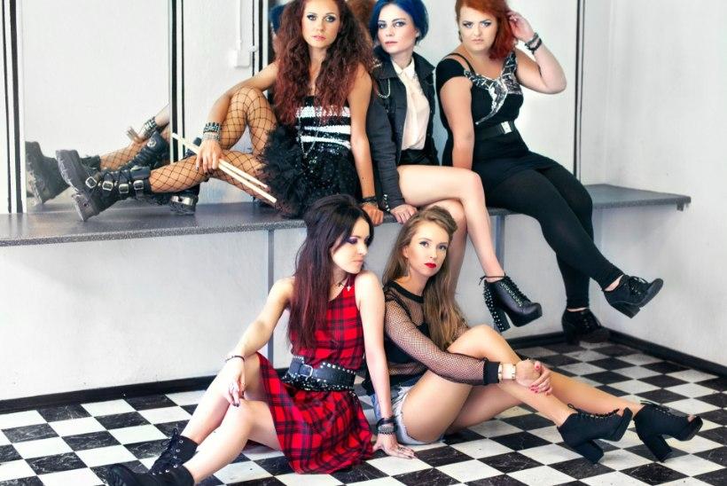 VIDEO: uus tüdrukutebänd rabab kohe seksika muusikavideoga