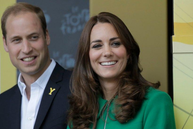 Williami ja Catherine'i oma pulma kutsunud austraallased said kuninglikult paarilt viisaka vastukirja!