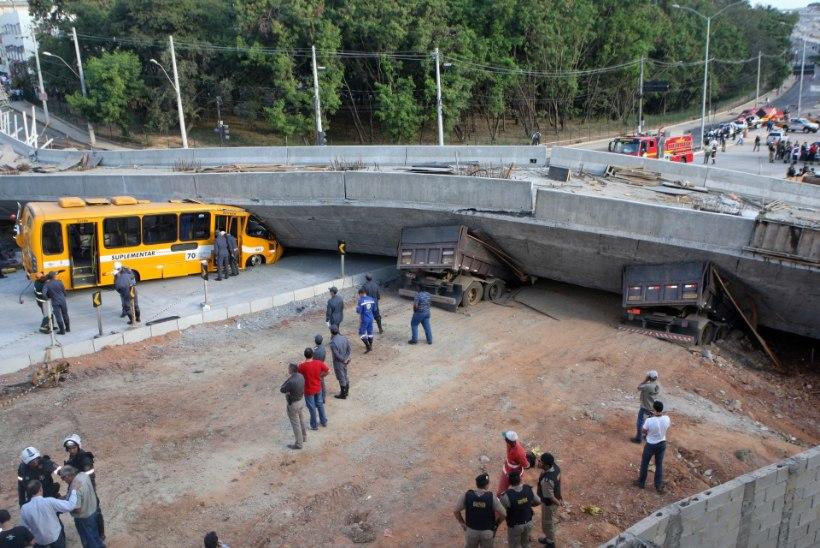 Jalgpalli MM-i staadioni lähedal varises viadukt kokku