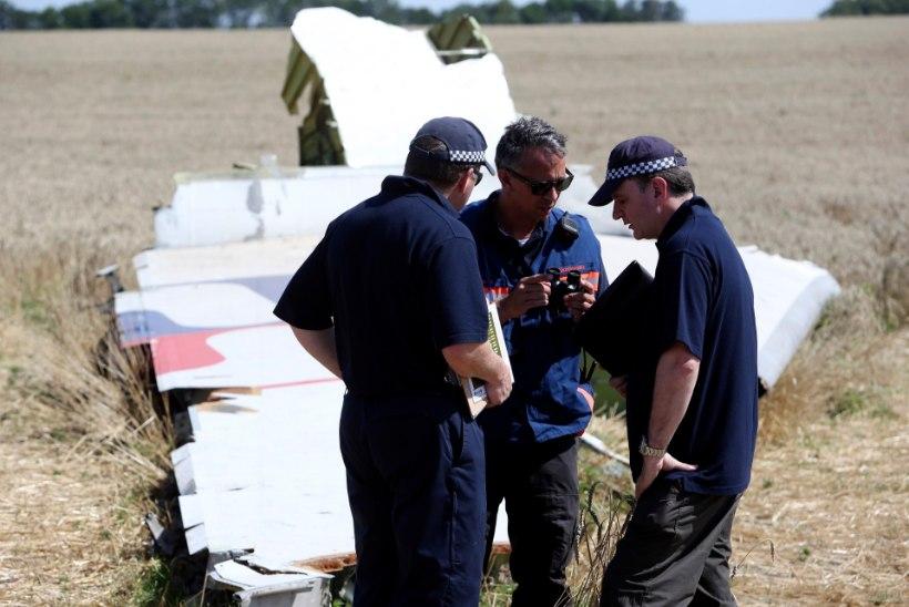 Austraalia ja Hollandi eksperdid leidsid MH17 katastroofipaiga lähedalt veel inimjäänuseid