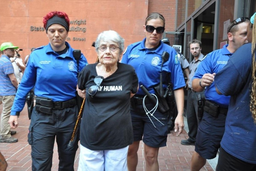 Fergusonis vahistati 90aastane holokausti üle elanud naine