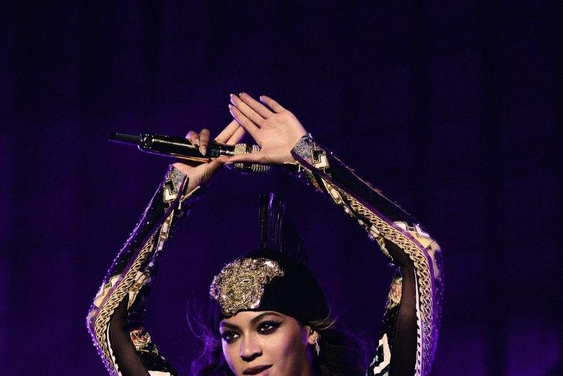 Beyonce ema rahustab: tütre abieluga on kõik korras!