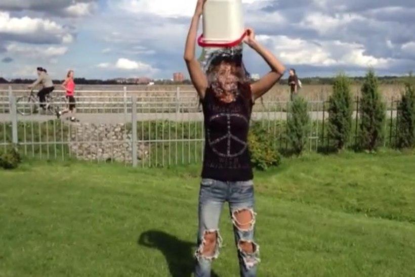 VIDEO: trummar Hele-Riin Uib kastis end jää-ämbriveega. Kes said väljakutse?