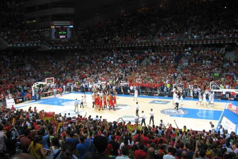 Madrid köeti üles ehk suure korvpallipeo vinge soojendus