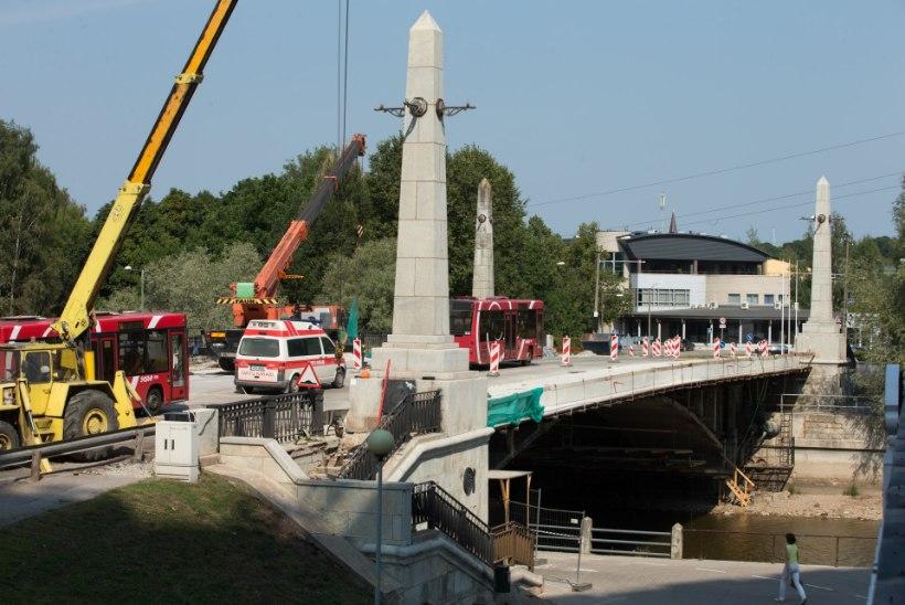 Tartu Võidu sild avatakse esmaspäevast osaliselt liikluseks