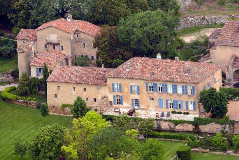 Angelina ja Brad abiellusid Prantsusmaal oma kodukabelis