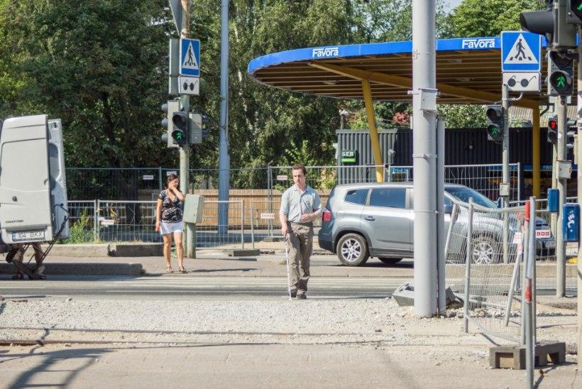 Vaegnägijail on Tallinna liikluskaoses sada korda hullem käia