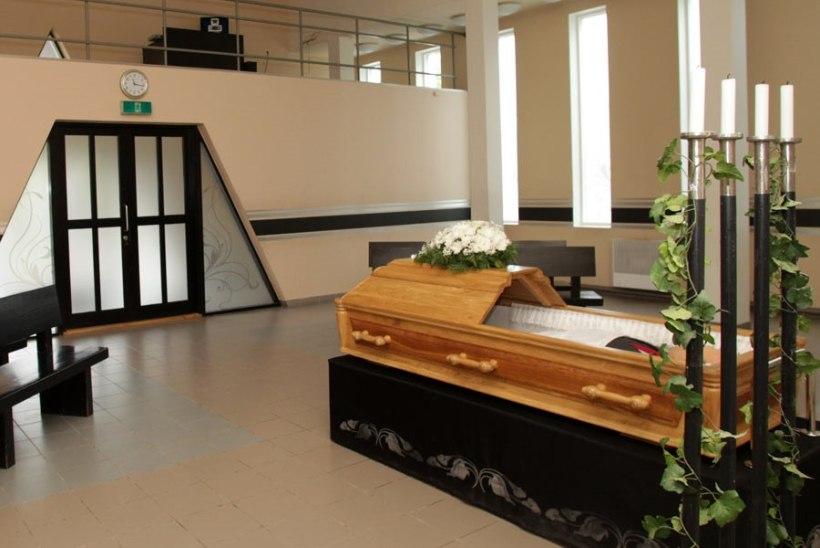 Valitsus soovib matusetoetuse osaliselt taastada