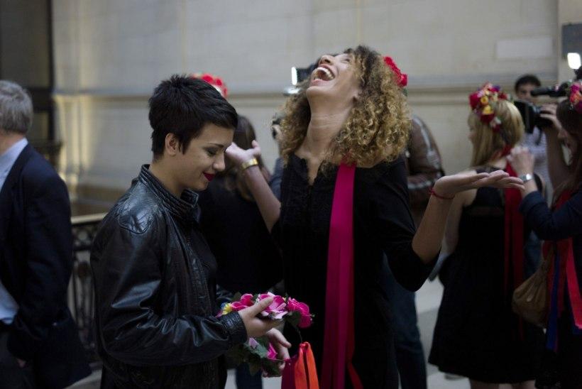 Pariisis kirikukella kolkinud Femen pääses süüdistusest