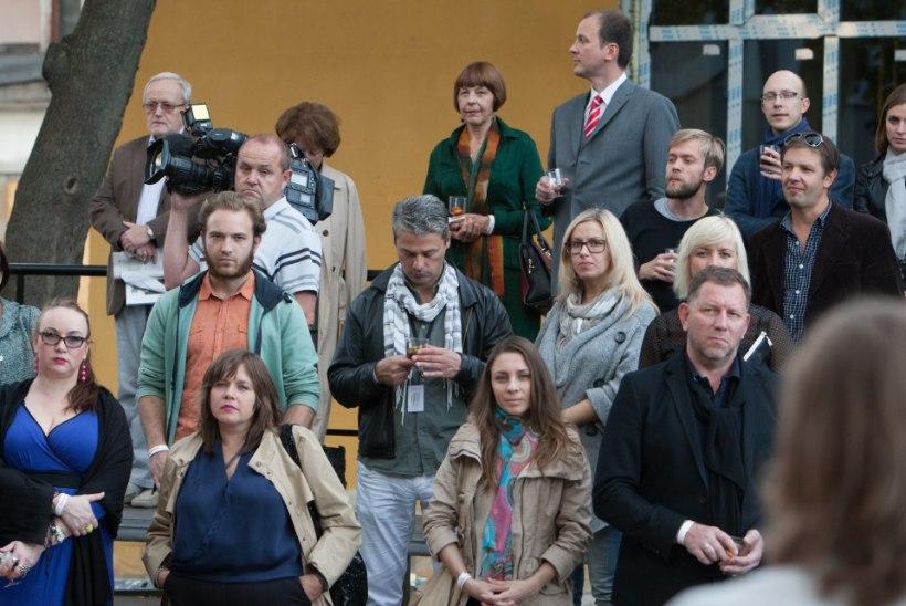 GALERII: Vaata, kuidas Telliskivi Loomelinnakus avati teatrikeskus Vaba lava