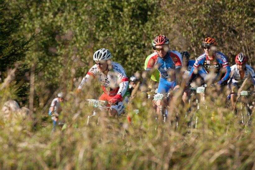 GALERII: Tartu Rattamaratoni võitja püstitas ka rajarekordi